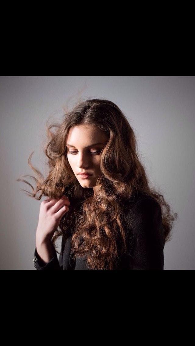 Texture Hair & Makeup: @kristinlmuller Model: Sarah @Factor